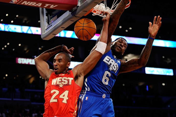 LeBron y Kobe Bryant, en el All Star Game de 2011. Foto AFP