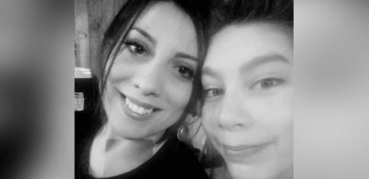 Lorena Navarrete y su hijo Emilio Rocha, quien murió por MIS-C en Chile. Foto: Facebook
