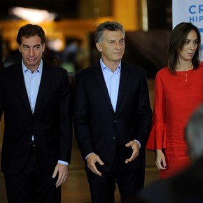 Together for Change toughens the campaign and Mauricio Macri is shown with María Eugenia Vidal and Diego Santilli