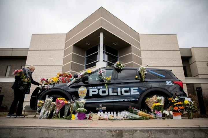 A tribute to a police officer killed during a shooting that left nine other victims in Boulder, Colorado, days ago.  Photo: REUTERS