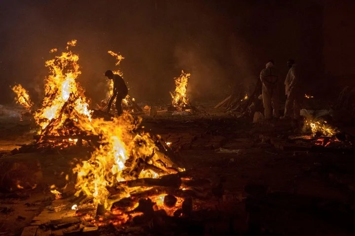 Bodies of coronavirus victims, cremated in April, in India.  Photo: REUTERS