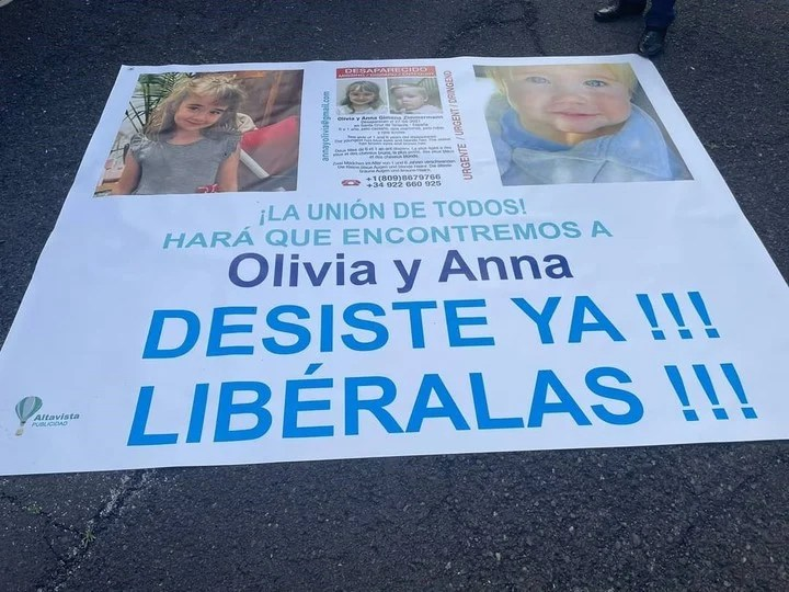 The posters with which Olivia and Anna's family have been looking for them since their disappearance.