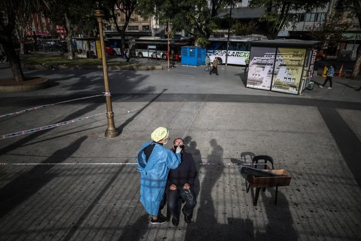 Argentina está entre los diez países con más contagios de Covid.  Foto EFE/Juan Ignacio Roncoroni