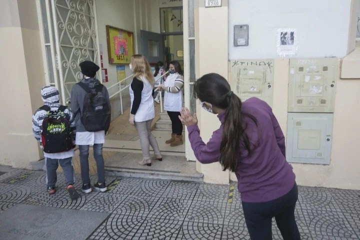 In Buenos Aires secondary schools, the total presence will be returned.