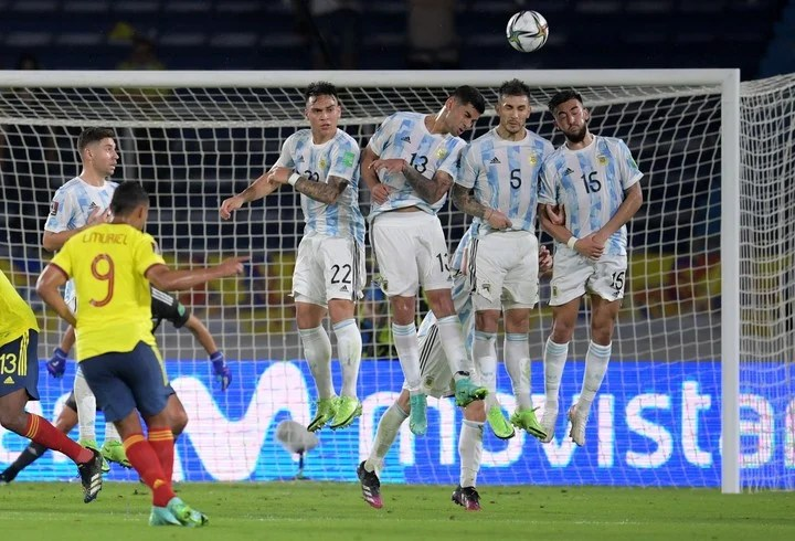 Martínez, Romero, Paredes y Nico González parecen números puesto en la Selección. (AFP)