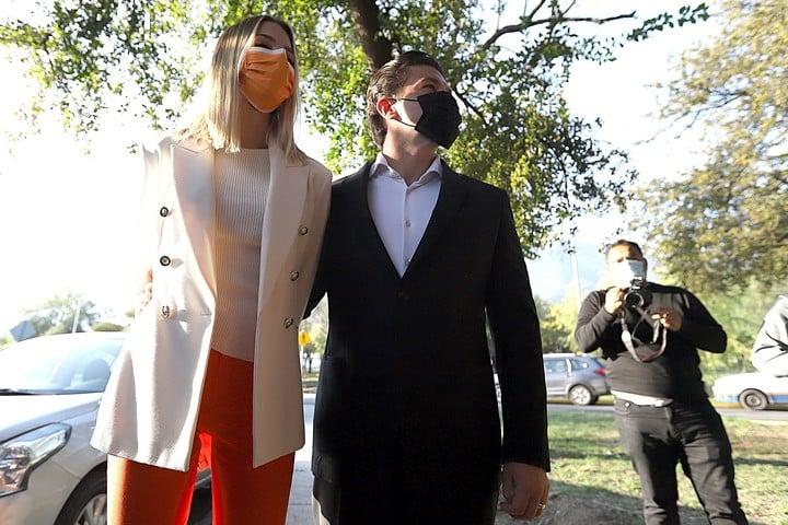 Samuel García, with his wife Mariana Rodríguez.  Photo EFE