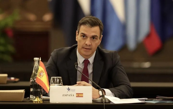 The President of the Spanish Government, Pedro Sánchez, speaks during the inauguration of the Extraordinary Summit of Heads of State and Government of the Central American Integration System (SICA) and Spain, which takes place today, in San José (Costa Rica) .  The president interrupted his schedule to show solidarity with Beatriz Zimmermann, the mothers of Olivia and Anna.  Photo: EFE