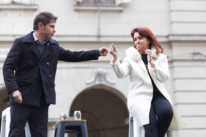 Cristina in an act in La Plata with Kicillof.