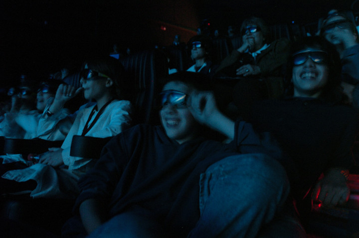 At the cinema.  Another way to access the movies.  Photo Juan José Traveso