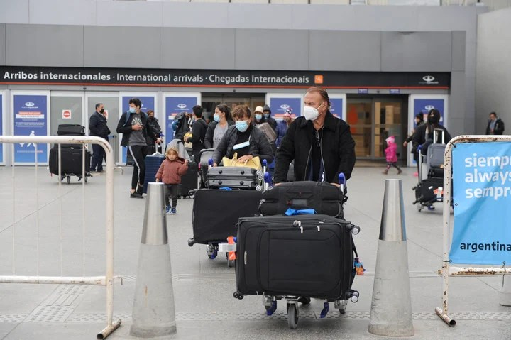 The government did not rule out increasing the number of Argentines who can return to the country per day.  Photo: Fernando de la Orden