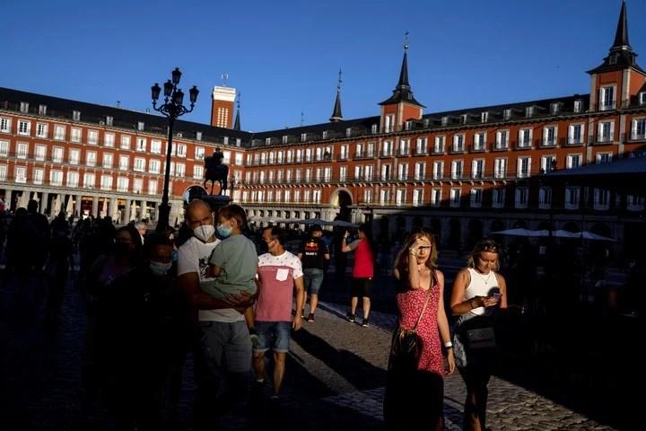 Plaza Mayor, a classic Madrid postcard.  Photo AP Photo / Manu Fernandez