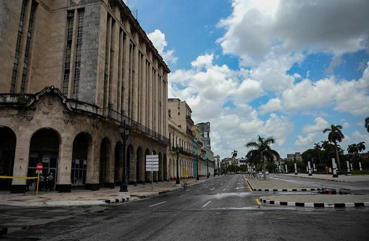 Desolate streets near the Capitol in Havana.  AFP photo