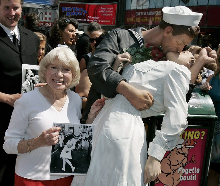 Greta Zimmer, at 86, remembers the mythical kiss photo in Times Square.  Photo / Archive