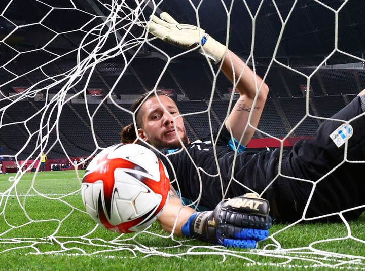 Jeremias Ledesma, the frustration of the Argentine goalkeeper.  Photo REUTERS / Kim Hong-Ji