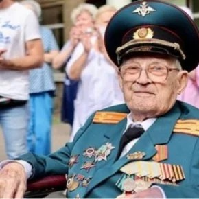 A 102-year-old World War II veteran overcame the coronavirus after 37 days of fighting