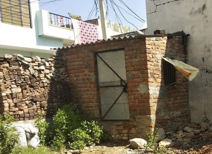 Bhavesh Lohar from Udaipur built a small room to study.