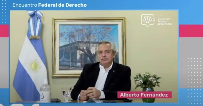 """Alberto Fernández: """"¿Por qué no se le puede poner un término a la duración  de los jueces en sus funciones?"""""""