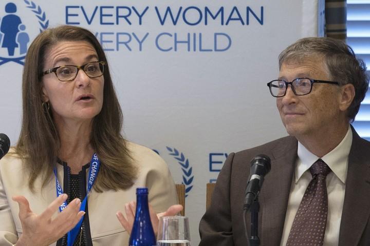 Bill and Melinda Gates, separated.  Reuters photo