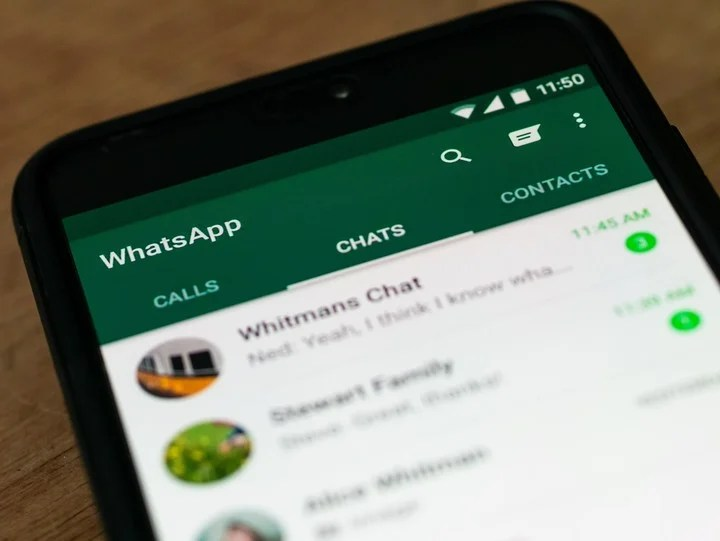 The trial version of WhatsApp has problems loading old messages.  Photo: Shutterstock