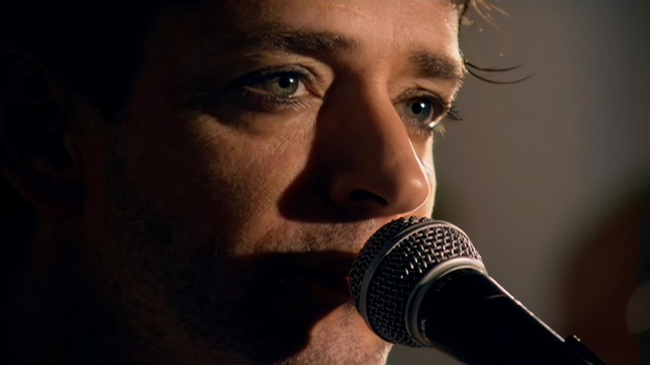The deep gaze of Gustavo Cerati, reflected in the video directed by Diego Panich and Lemon.  Photo Press Sony Music