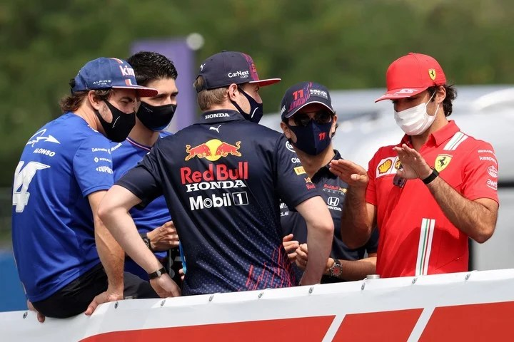 Insured places.  Alonso, Ocon, Pérez, Verstappen and Sainz already have their seats for 2022. Photo FERENC ISZA / AFP