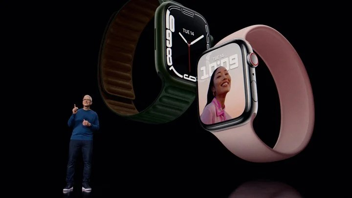 The battery of the Apple Watch Series 7 provides an autonomy of 18 hours.