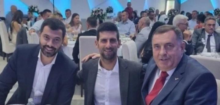 Novak Djokovic junto Milorad Dodik, Primer Ministro de la República Srpska. Foto Twitter