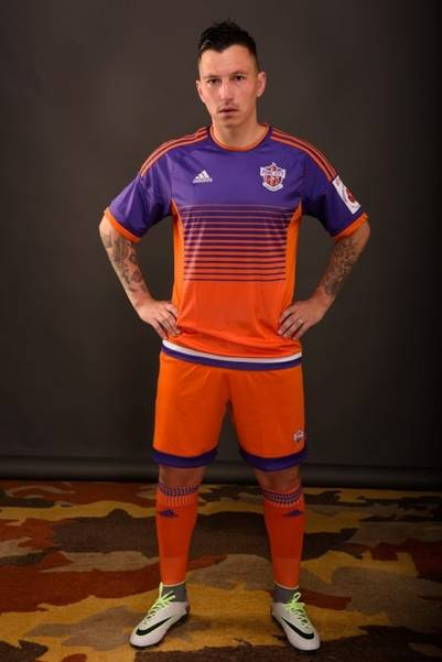 Oberman, con la camiseta del Pune City, equipo de la Superliga india.