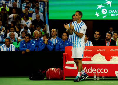 Orsanic aplaude a Del Potro y Mayer, la dupla que eligió para el tercer punto de la final. (Foto: Germán García Adrasti)