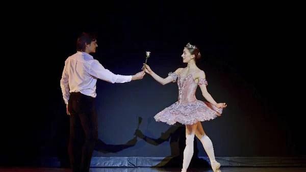 Dotada. Marianela Núñez mostró toda su excelencia, muy bien acompañada por su novio y primer bailarín del Colón, Alejandro Parente.