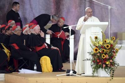El papa Francisco durante la ceremonia de bienvenida de la Jornada Mundial de la Juventud en el parque Blonia de Cracovia./ EFE