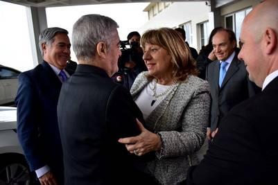Das neves y Maria Cristina Falbo en Puerto Madryn, durante la inauguracion del Consejo Federal de Politica Criminal. (Daniel Feldman)