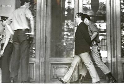 mario eduardo firmenich guerrillero FIRMENICH EN TRIBUNALES 14-3-89, FOTO JORGE SANCHEZ buenos aires mario eduardo firmenich guerrillero llega a tribunales miembro de la guerrilla detenido foto de archivo del año 1989