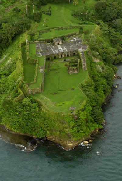 Vista aérea de las ruinas del fuerte San Lorenzo, construido por los conquistadores españoles en 1585 en la desembocadura del río Chagres, cerca de Colón (AP Photo/Tomas Munita).