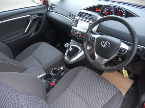 small resolution of  used 2015 toyota verso 1 6 d 4d icon 5d 110 bhp