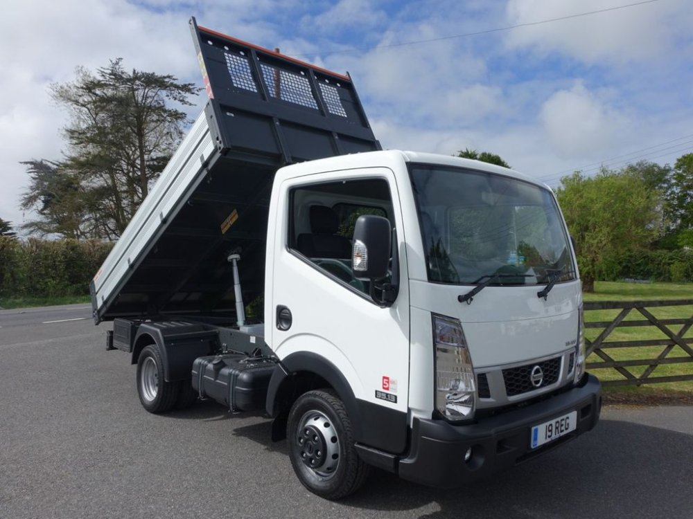 medium resolution of used 2019 19 nissan cabstar nt 300 35 13 swb tipper 30 dci 130 bhp good saving