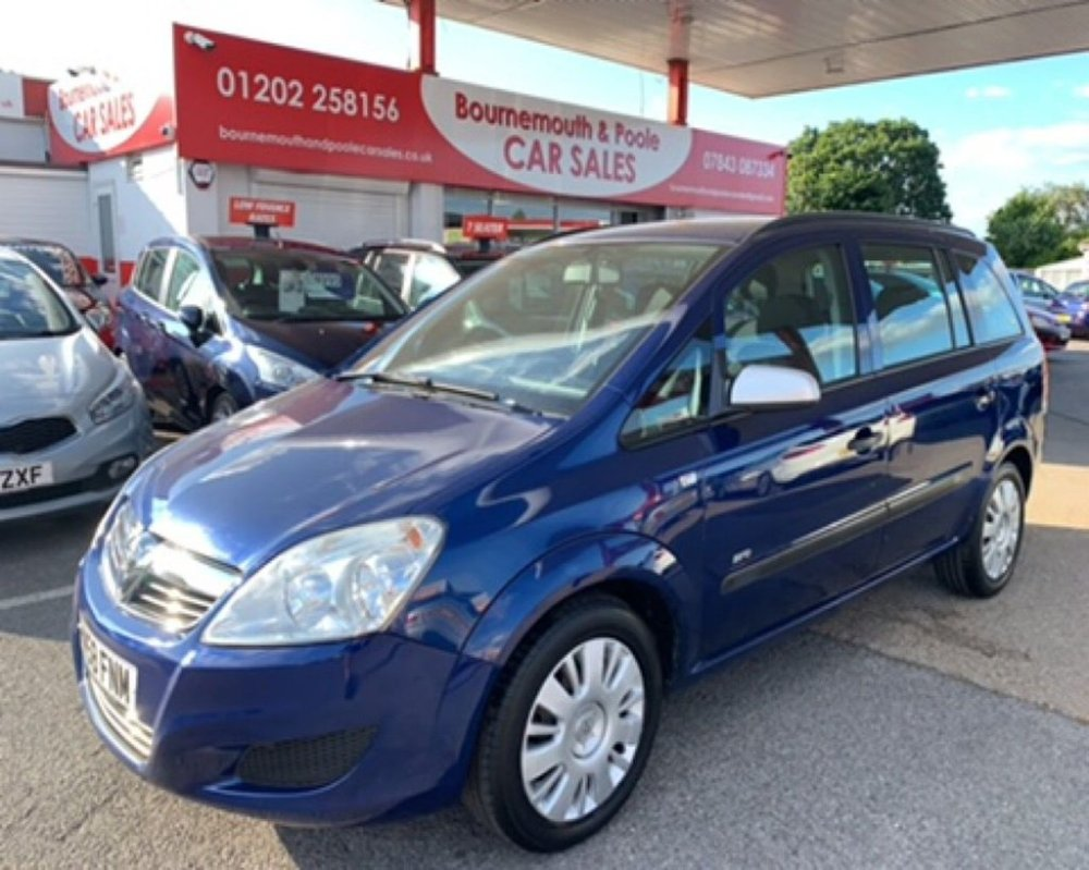 medium resolution of used 2008 58 vauxhall zafira 1 6 life 16v 5d 105 bhp