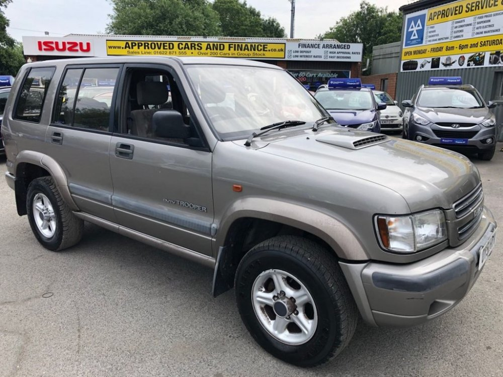 medium resolution of used 2001 51 isuzu trooper 3 0 lwb dt duty 5d 157 bhp in metallic silver with