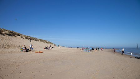 Visitors flock to Sea Palling on hottest day of the year | Eastern Daily Press
