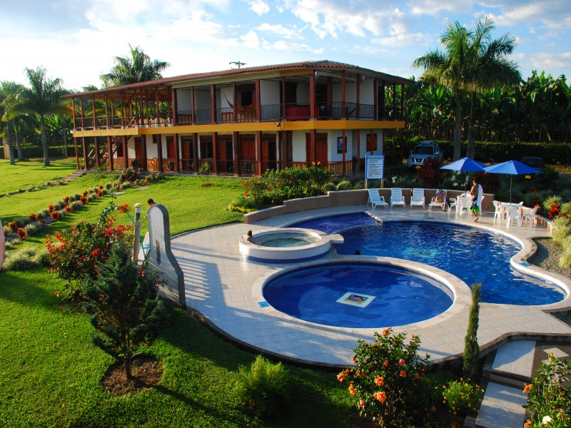 Alquiler De Finca Finca hotel cerca al parque del cafe en Armenia Quindo  Colfincascom