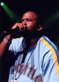 15 - 100 Photos of Rappers in Sports Jerseys   Complex