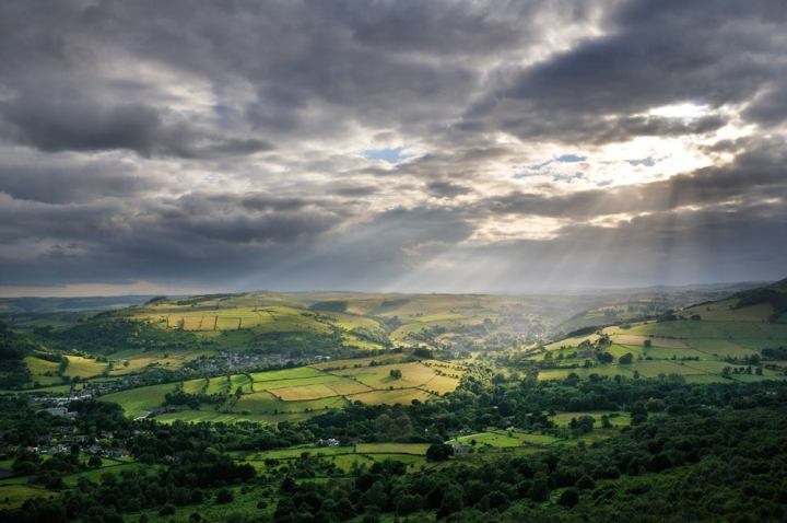A view of Hope Valley at the Peak District National Park