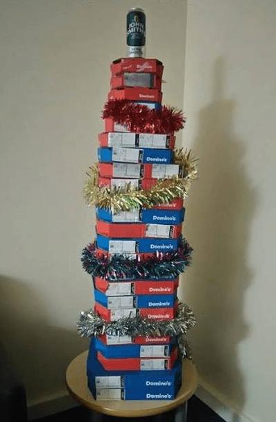 dominos-christmas-tree