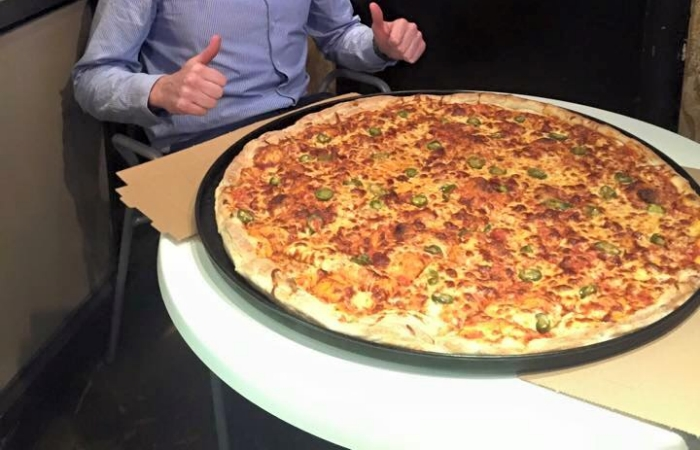 27-inch-pizza-tonis-pizza