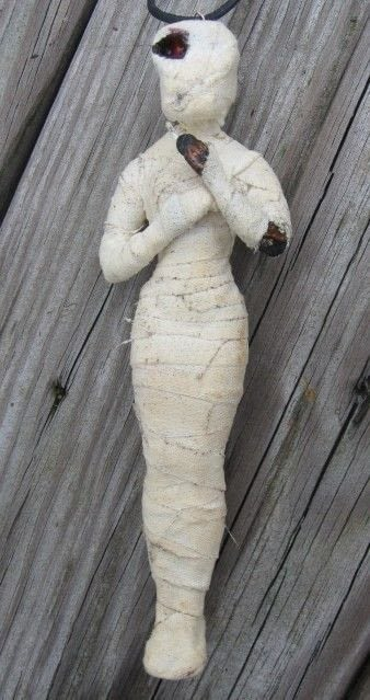 Mummy Corpse Barbie  How To Decorate A Barbie Doll  Decorating and Melting on Cut Out  Keep