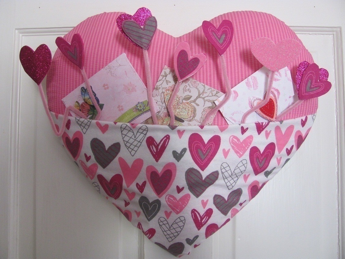 Heart Door Decoration  How To Make A Wreath  NoSew on