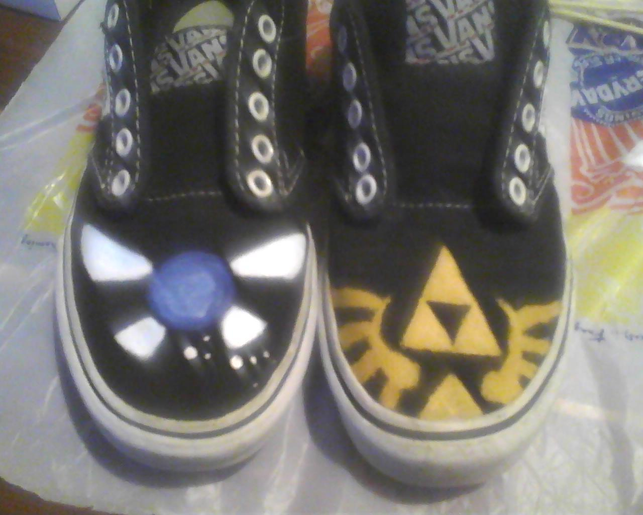 Legend Of Zelda Re Painted Vans D  A Pair Of Character