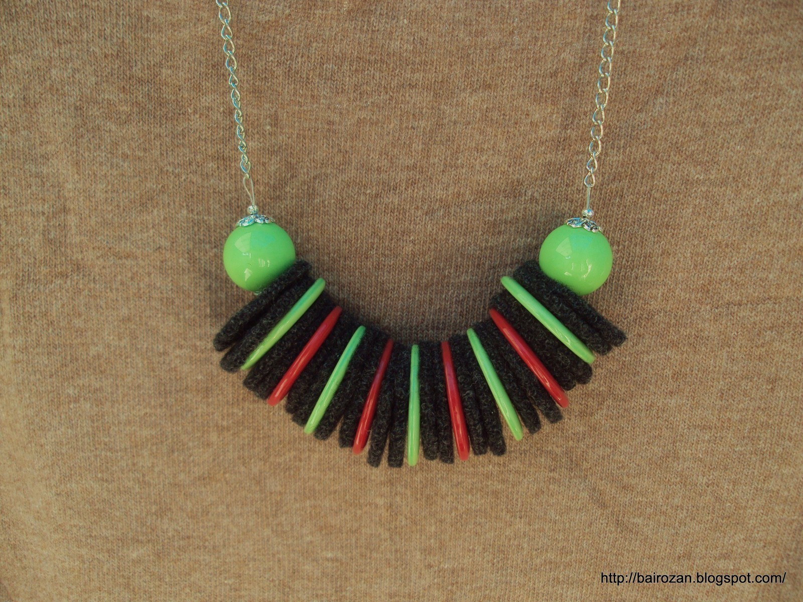 Felt Necklaces From Recycled Clothes A Fabric Necklace