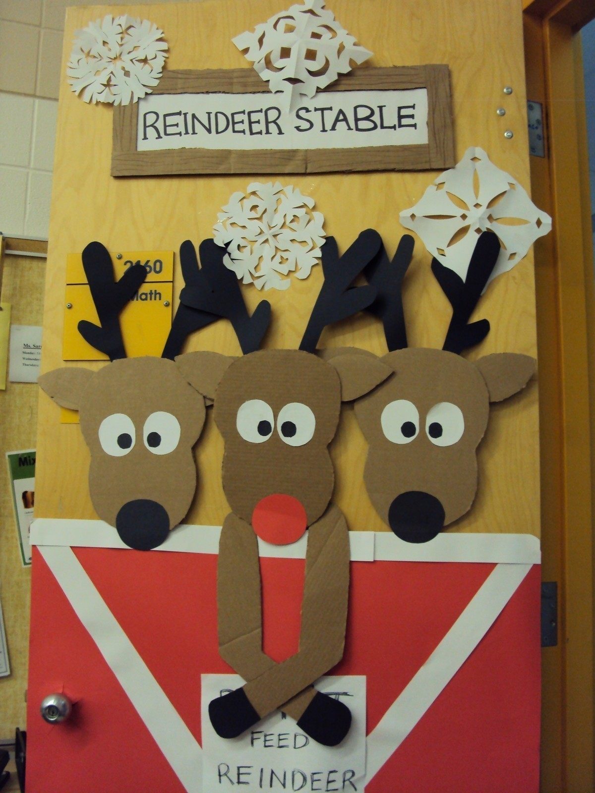 Reindeer Door A Christmas Decoration Art Decorating And Papercraft On Cut Out Keep