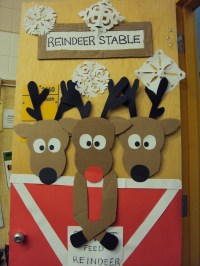 Reindeer Door  A Christmas Decoration  Art, Decorating
